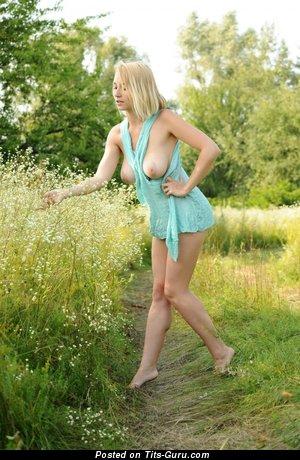 Splendid Floozy with Splendid Nude Real Med Jugs (18+ Picture)