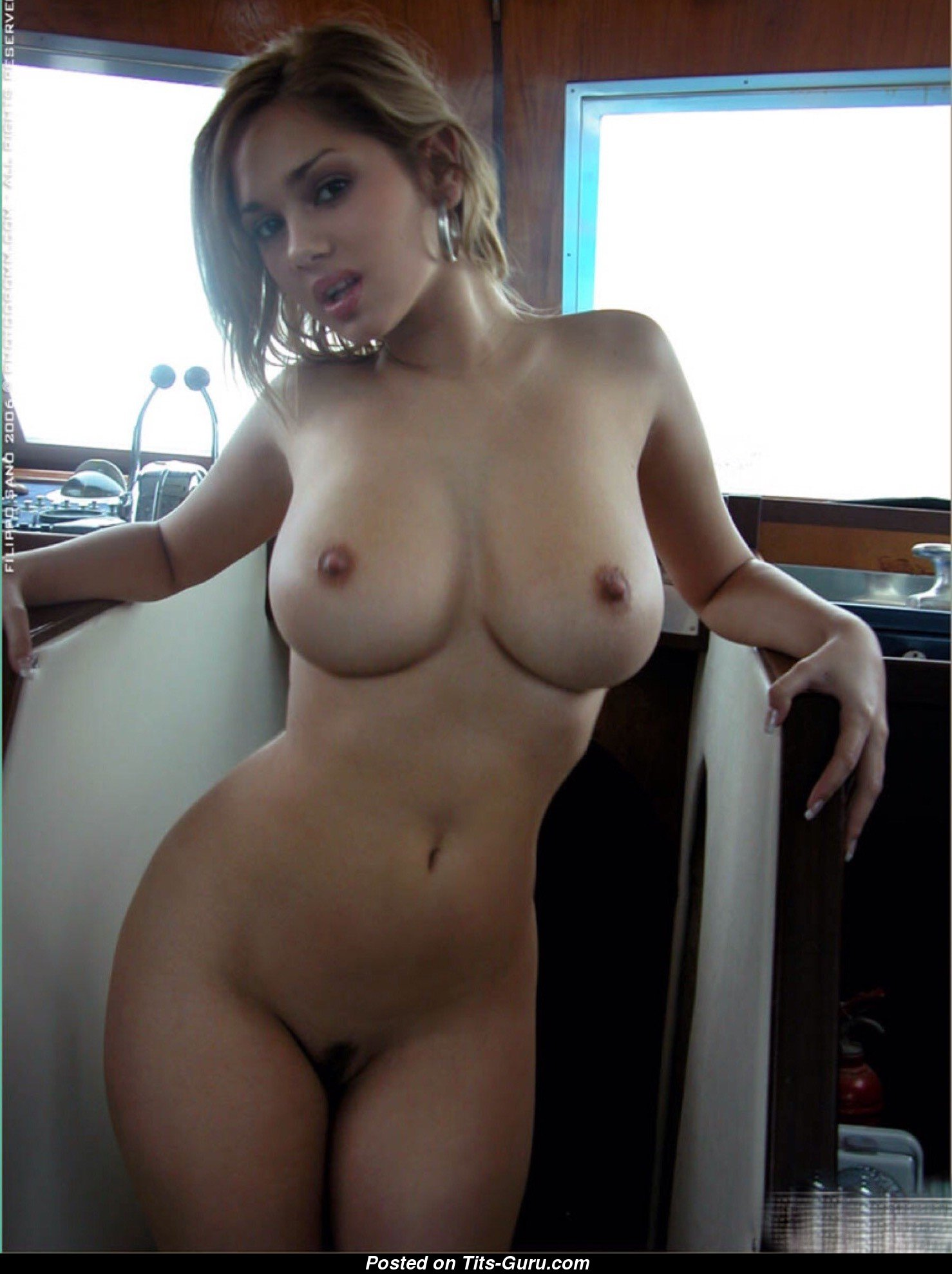Amateur big boobed blonde homemade 6
