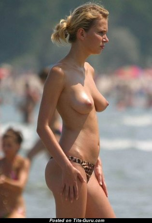 Yummy Glamour Bimbo with Yummy Nude Real Med Boobies (Sex Image)
