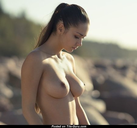 Wonderful Babe with Wonderful Open Natural Soft Boobie & Puffy Nipples (18+ Photo)