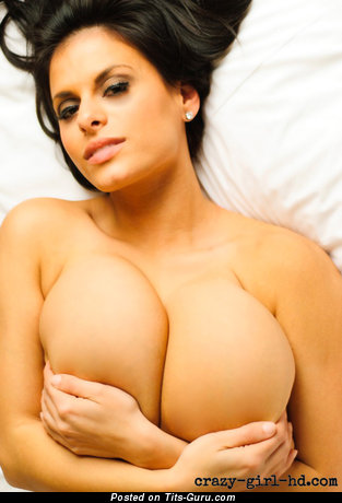 Wendy Fiore - sexy amateur naked latina brunette with huge boob, piercing and tattoo selfie