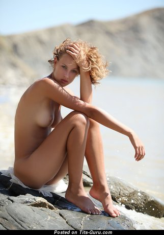 Image. Naked beautiful lady with medium natural tittys image