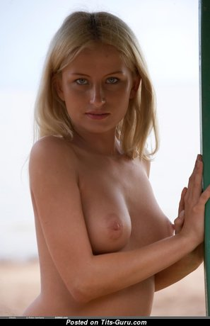 Adorable Undressed Babe (Hd 18+ Pix)