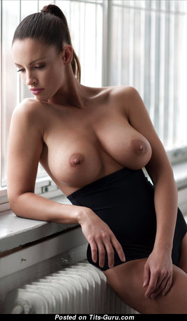 Lovely Babe with Lovely Exposed Natural Normal Busts (Hd Xxx Pix)