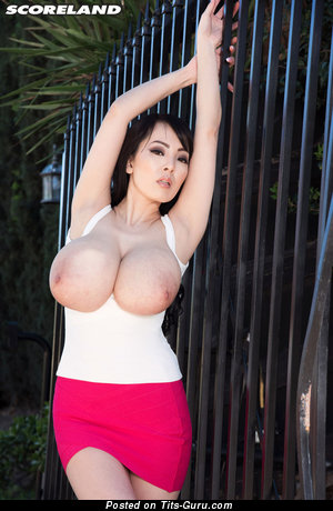 Image. Hitomi Tanaka - nude asian with big tittes photo