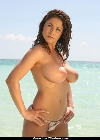 Fine Babe with Fine Open Natural Breasts (Sexual Photo)