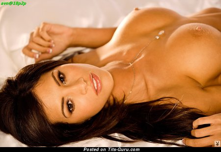Image. Hope Dworaczyk - nude brunette with big boob pic