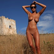 Ela Savanas - awesome female with big natural breast pic