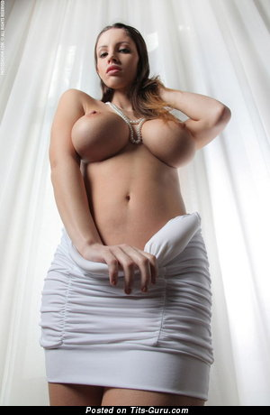 Nude wonderful woman with big tittys pic