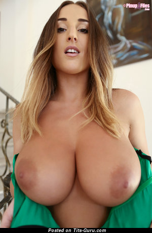 Good-Looking Topless Babysitter with Good-Looking Nude Full Melons (Hd Porn Foto)