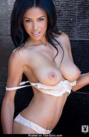 Kylie Johnson - naked nice lady with medium natural boobs image