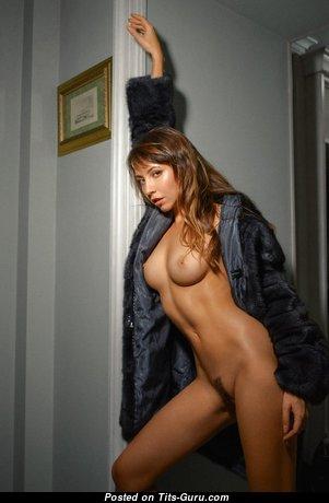 Anya Orlova - Pleasing Nude Brunette (Porn Pic)