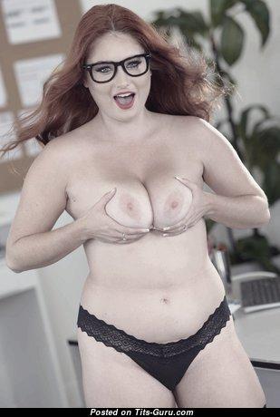 Lennox Luxe: рыжая порнозвезда и красотка (США) с крутыми голыми натуральными сисяндрами (hd ню изображение)