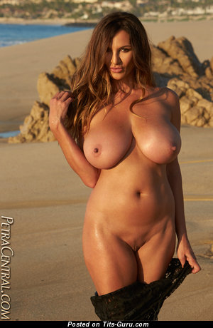 Image. Petra Verkaik - sexy naked brunette with big natural tittes pic