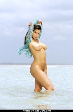 Delightful Nude Babe (Xxx Picture)