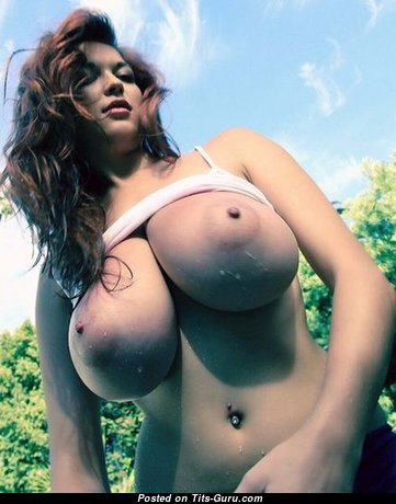 Good-Looking Babe with Good-Looking Defenseless H Size Tit (Sexual Pic)