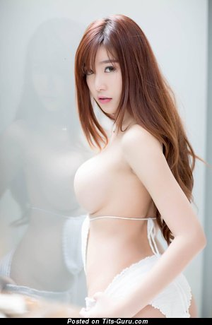 Angela Yeung - Pleasing Naked Chinese Babe (Hd Sex Foto)