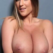 Exquisite Babe with Exquisite Naked Very Big Boob (Sexual Wallpaper)
