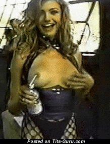 Image. Cameron Diaz - sexy naked blonde with medium boob gif