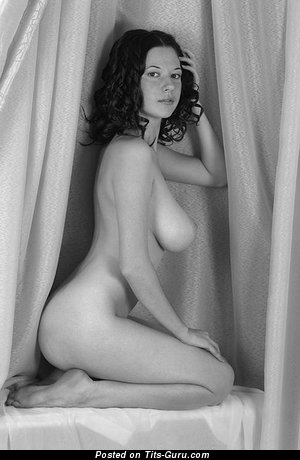 Image. Naked wonderful lady with big natural tittes picture