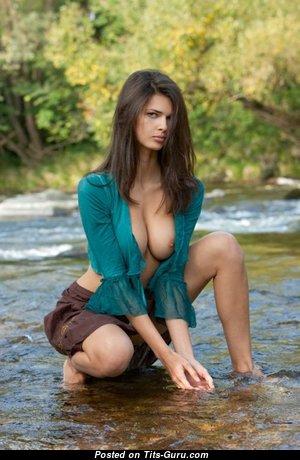 Amazing Nude Babe (Sex Wallpaper)