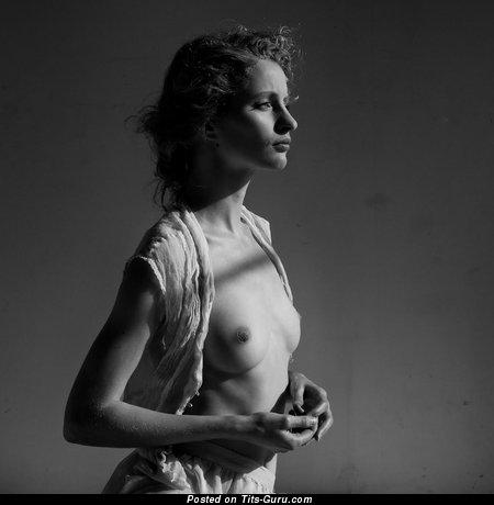 Image. Sexy naked beautiful girl pic