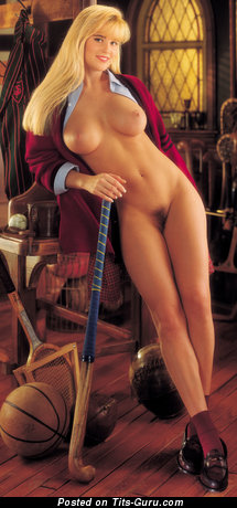 Jenny Mccarthy - Pleasing American Playboy Blonde Babe & Actress with Pleasing Nude Medium Boob (Vintage 4k Xxx Photo)