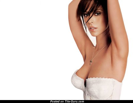 Jennifer Love Hewitt - Superb Topless American Red Hair Actress & Singer with Superb Naked Natural Average Tittes & Erect Nipples (Vintage 18+ Photoshoot)