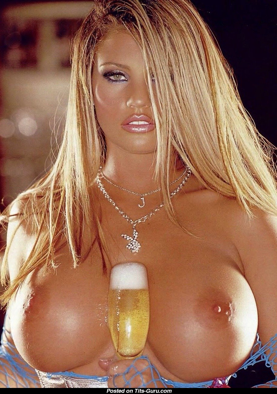 Katie Price Sexy Naked Blonde With Big Fake Tittes Image -2307