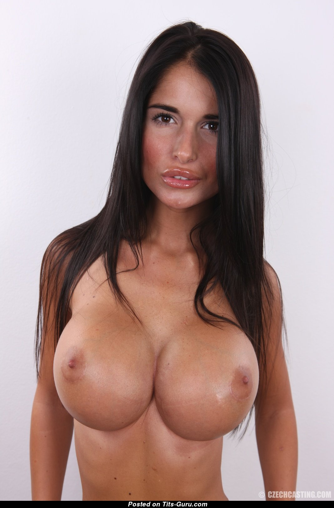 Nikola - Brunette With Naked Round Fake J Size Chest Xxx -2781
