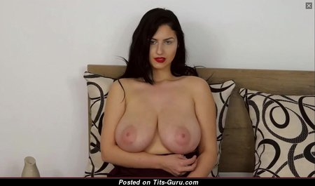 Belovedkhloe - Graceful Red Hair Babe with Graceful Exposed Real H Size Tittys (Hd Xxx Pic)