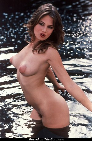 Traci Lords - Awesome American Singer, Babe & Actress with Awesome Nude Natural C Size Tits (Vintage Hd Porn Foto)