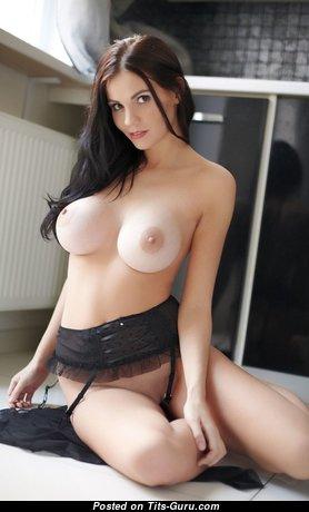 Charming Topless Girl (18+ Image) #topless #boobs #tits #nude #erotic #сиськи #голая #эротика #titsguru