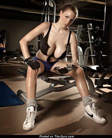 Jordan Carver - Elegant German Dame with Elegant Bald Massive Tittes (Sex Pix)