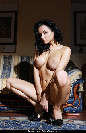 Изображение. Jenya D - фотография горячей обнажённой леди