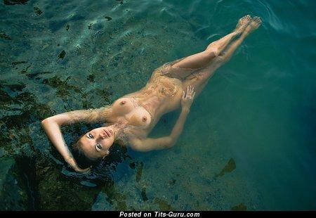 Image. Nude awesome female with medium tittys image
