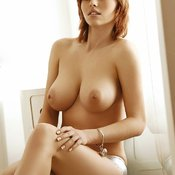 Iga Wyrwal - sexy nude blonde with medium natural breast pic