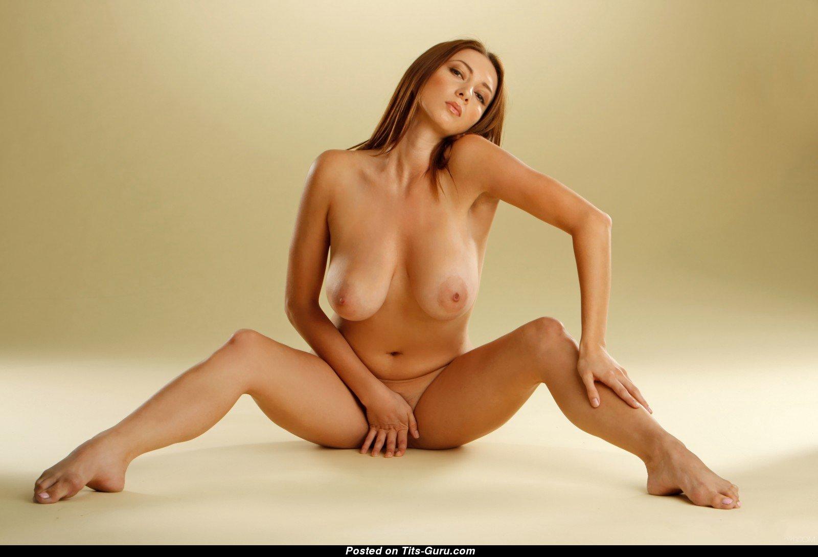 Смотреть красивые голые женские фигуры, Очень красивые фигуры голых женщин 23 фотография