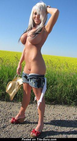 Monroe Lee - Graceful Undressed Canadian Blonde Babe & Girlfriend (Hd Porn Wallpaper)