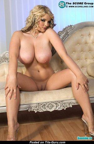 Большие Сисечки - Dazzling Naked Brunette Wife (Hd Xxx Pix)