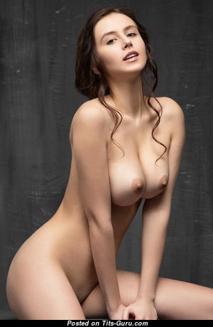 Fine Babe with Fine Nude Real Med Titties (Sexual Photoshoot)