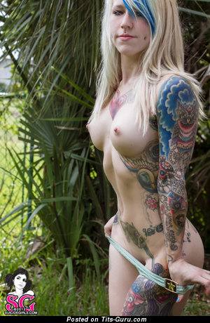 Perfect Nude Lady with Tattoo (Sex Photo)