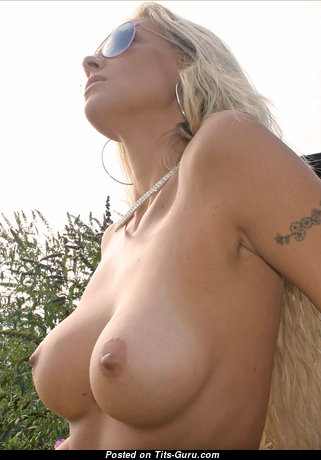 Martina (photodromm) - Stunning Blonde Babe with Stunning Naked C Size Knockers (Hd 18+ Picture)