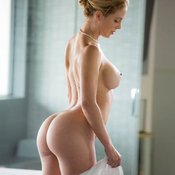 Blonde with big tittes picture