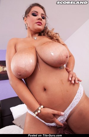 Daria (score) - Exquisite Glamour Russian Brunette with Exquisite Bald Real Hooters (Hd Sexual Pix)