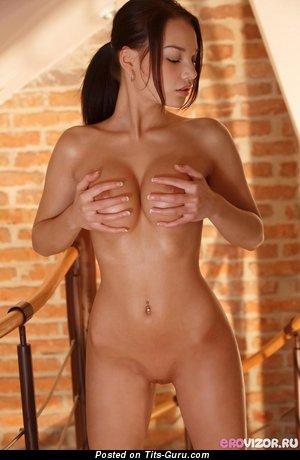 Image. Nude beautiful girl photo