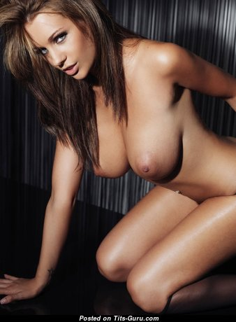 Superb Babe with Superb Nude Natural Dd Size Knockers (Porn Pic)