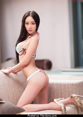Image. Li Cha Er - nude asian with big natural tits image