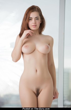 Kamilla J - naked beautiful female with medium natural tittes picture