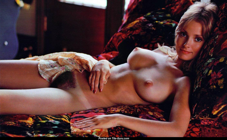 Naked sarah hunter in model for murder